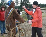 Kenton Interviewed Gorilla During the Race © Janet Hill