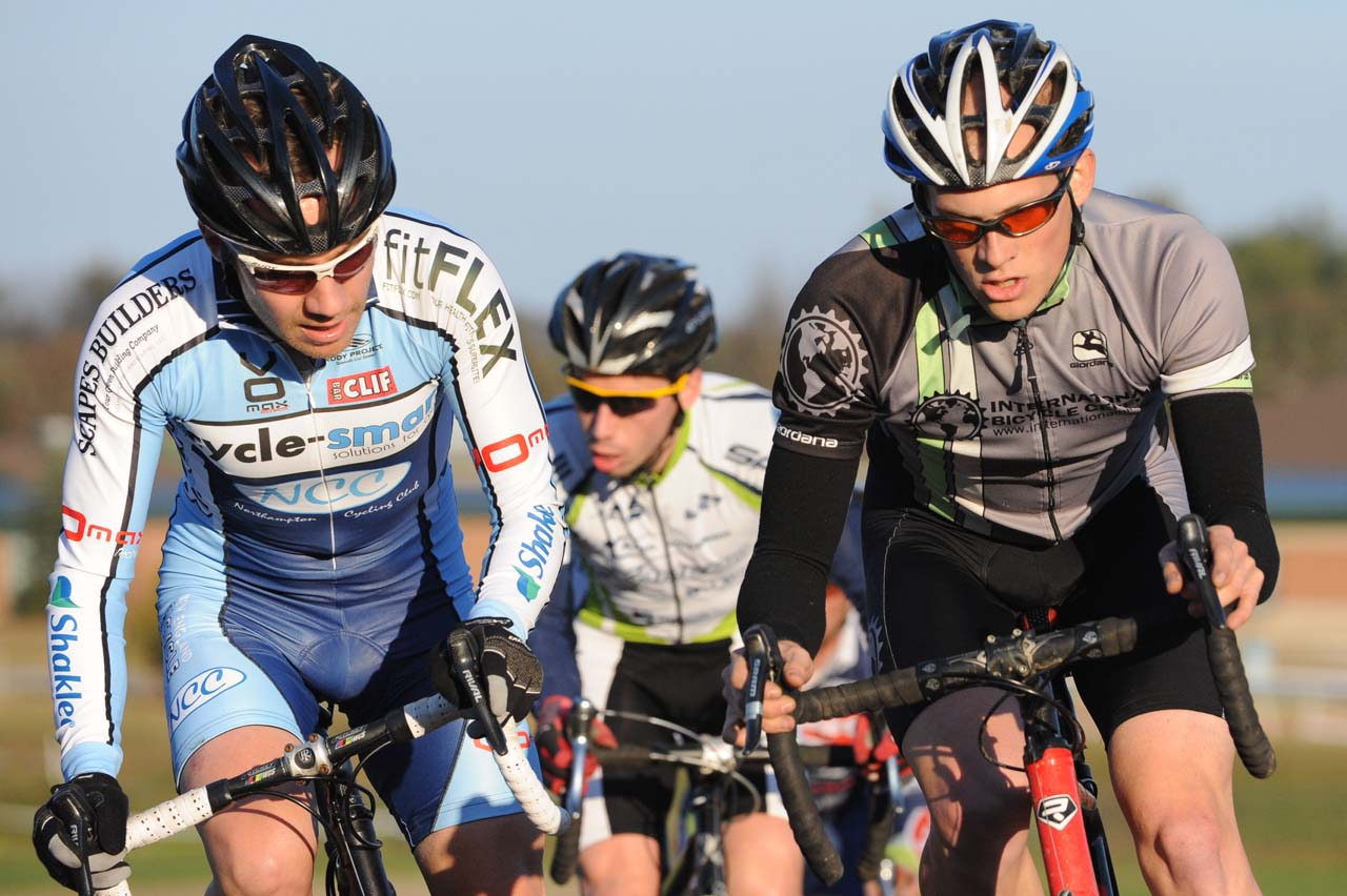 Shoulder to shoulder racing ? Natalia McKittrick | Pedal Power Photography | 2009
