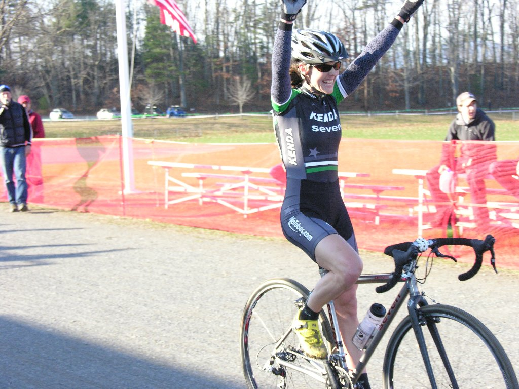 Mary McConneloug wins the Elite women's race ? Paul Weiss Photo/Video