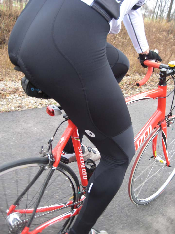 The RS Bib Tights feature windproof panels and ankle loops to keep the chill out when the mercury really dips ? Kristie Hancock