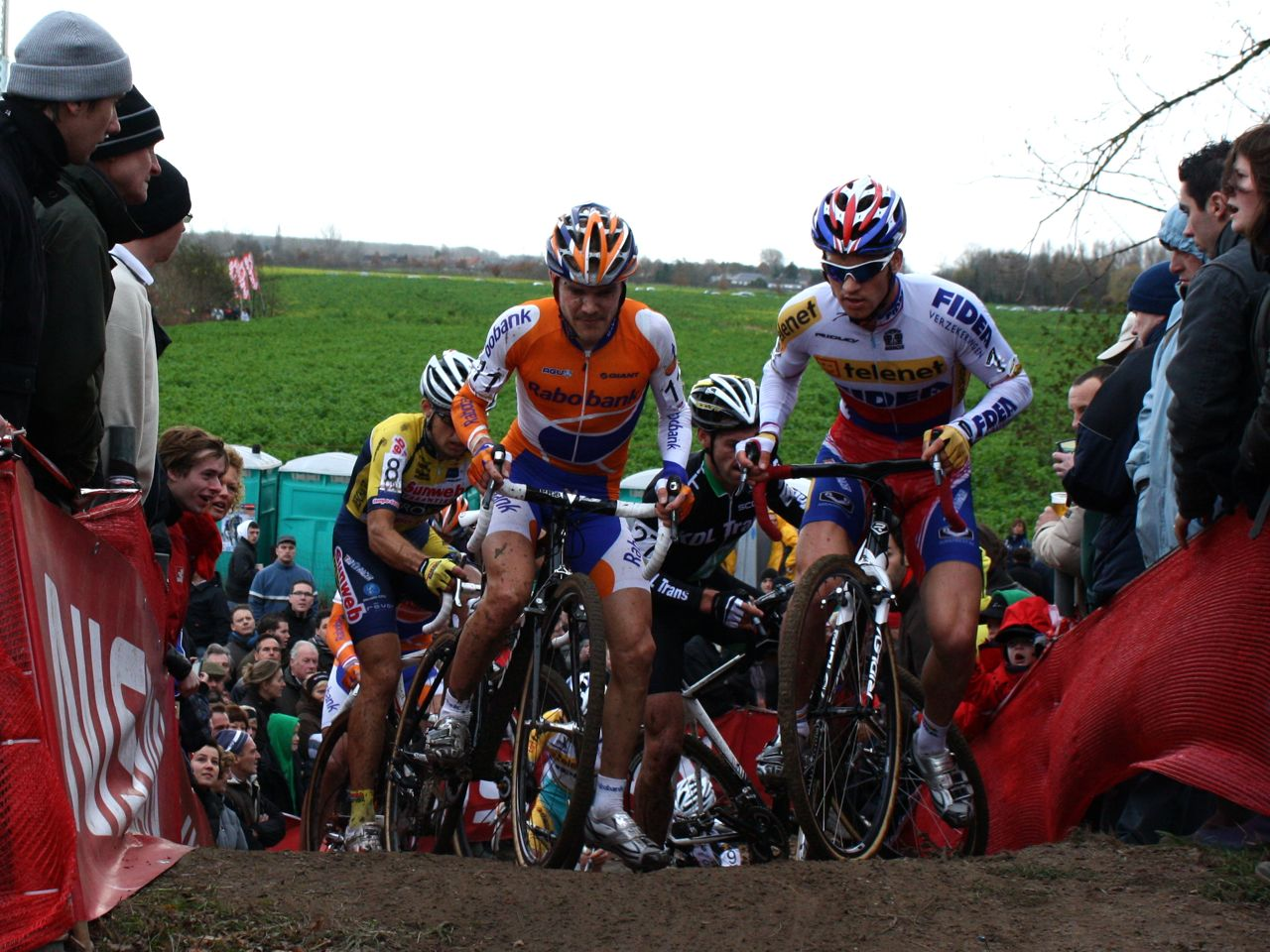 Aernouts and Stybar Bobbled and Set the Leaders Free ?Dan Seaton