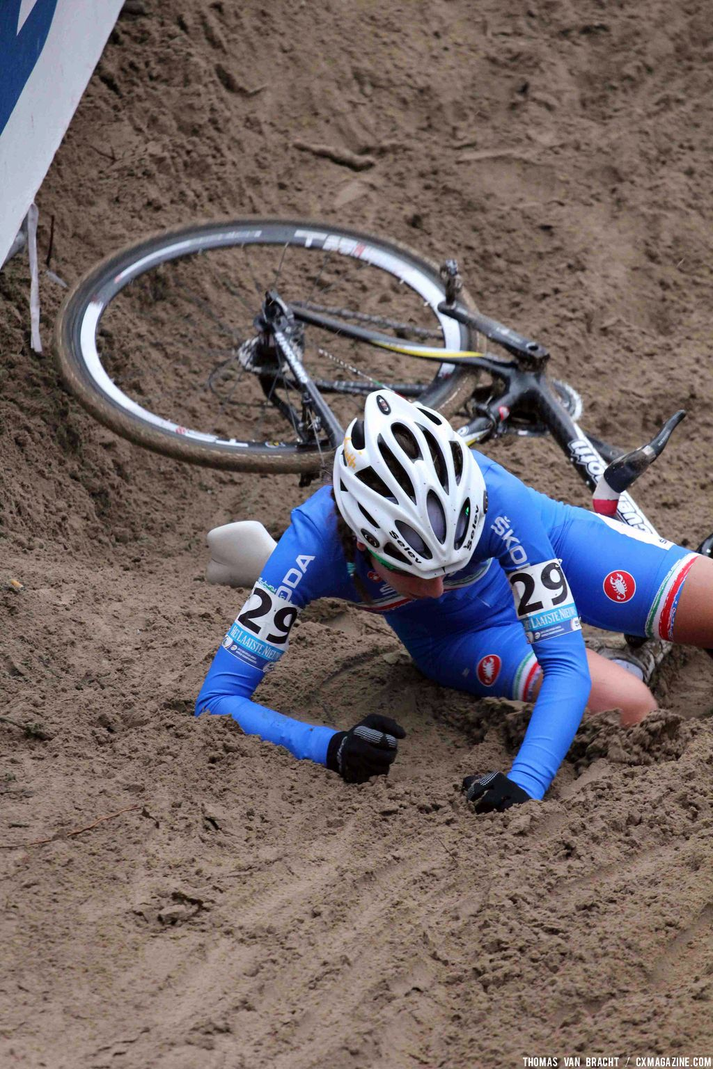 The Koksijde course claimed its share of victims. © Thomas Van Bracht