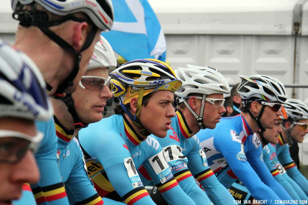 The Belgians crowd the front line. ©Thomas van Bracht