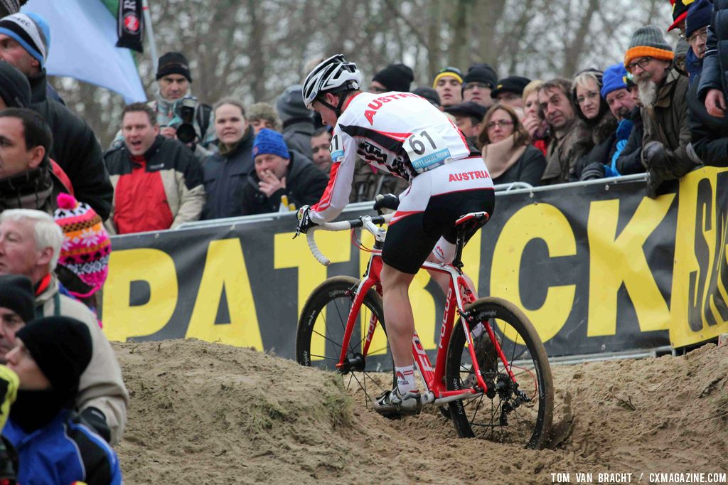 Robert Gehbauer of Austria churns through the sand. ©Thomas van Bracht