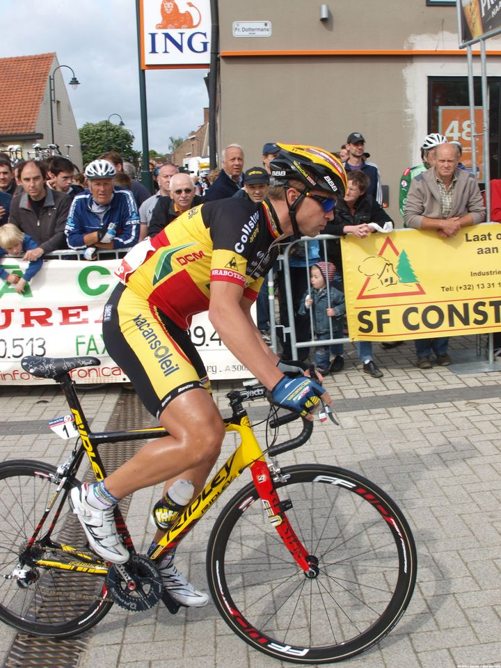 belgian-champion-stijn-devolder-sporting-his-custom-tour-of-flanders-saddle-tour-of-belgium-2011-jonas-bruffaerts