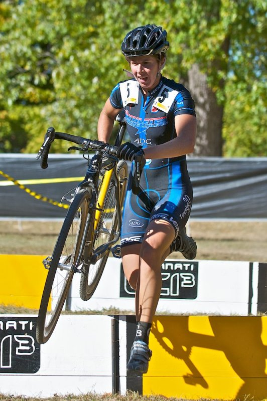 Deidre Winfield hangs on to snag the final podium spot © Jeffrey Jakucyk