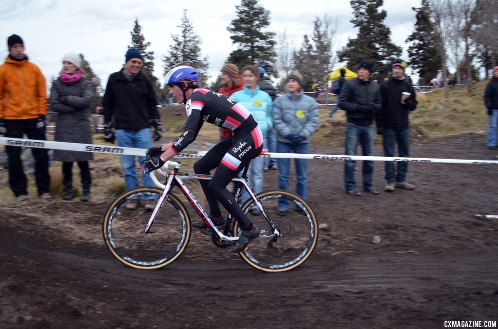 McDonald struggles to catch on. © Cyclocross Magazine