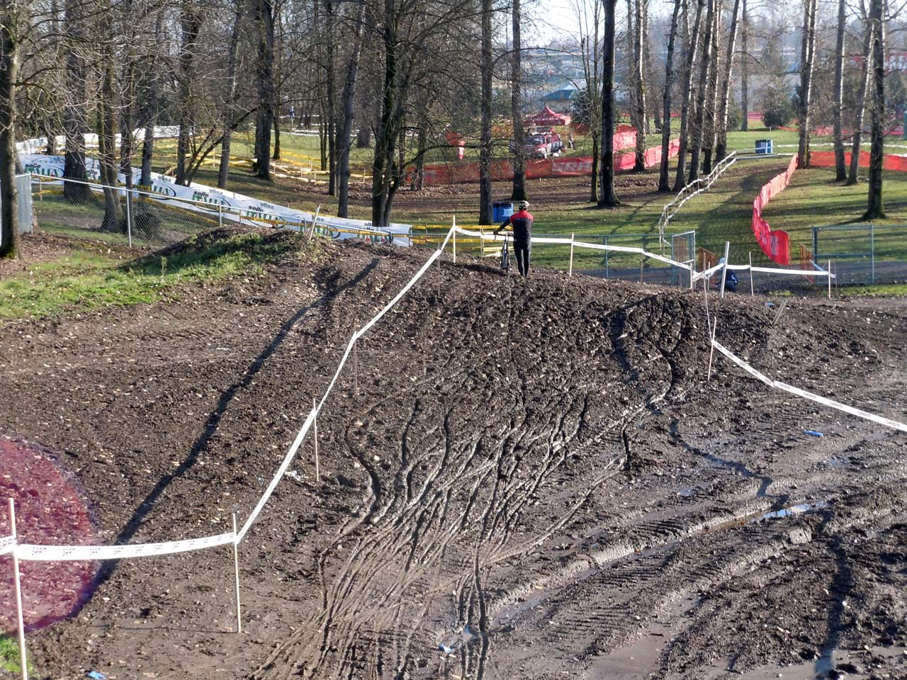 It might be sunny, but there still was deep mud in sections on Friday afternoon ©Josh Liberles