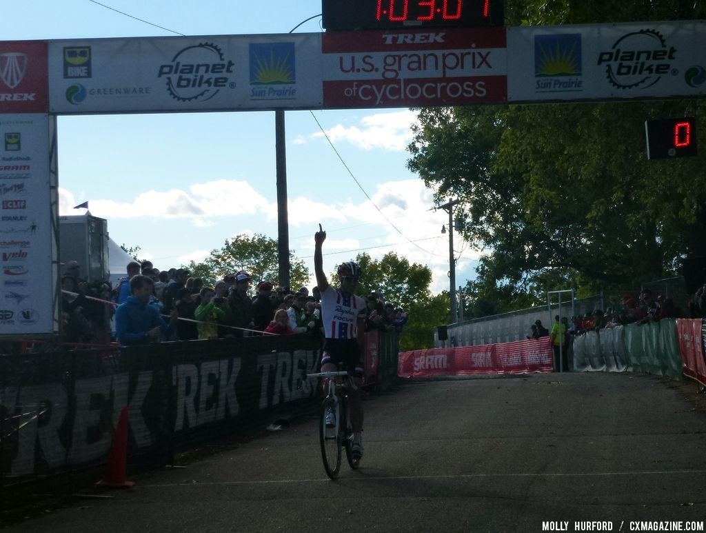 Powers takes the win  © Cyclocross Magazine