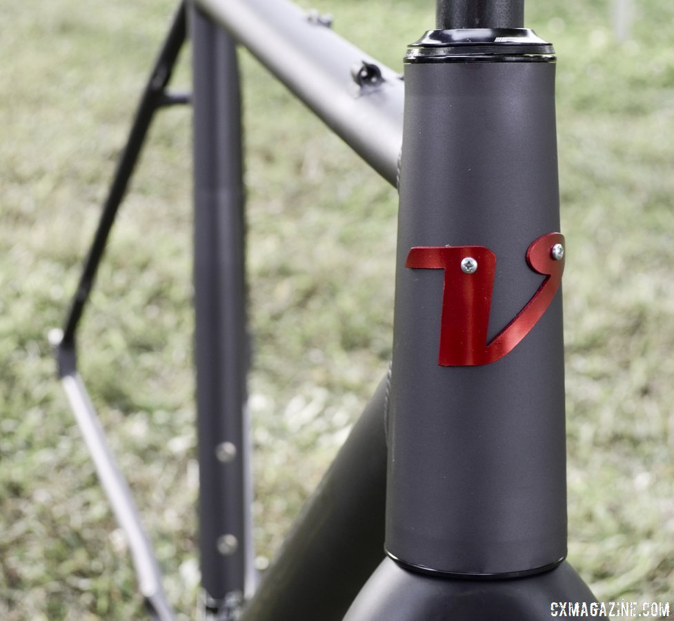 Oversized headtube accepts taperered steerer forks on 2014 Van Dessel Aloominator cyclocross frame. © Cyclocross Magazine