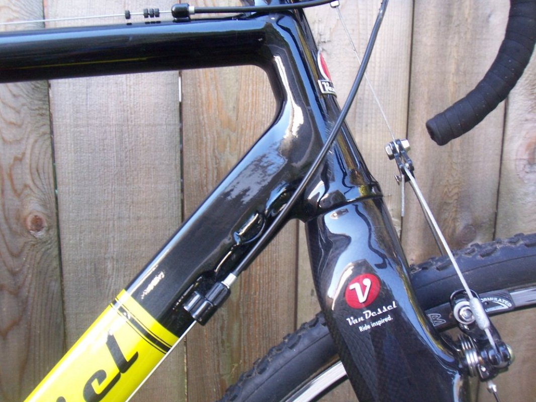 van_dessel_gt_front_side_profile
