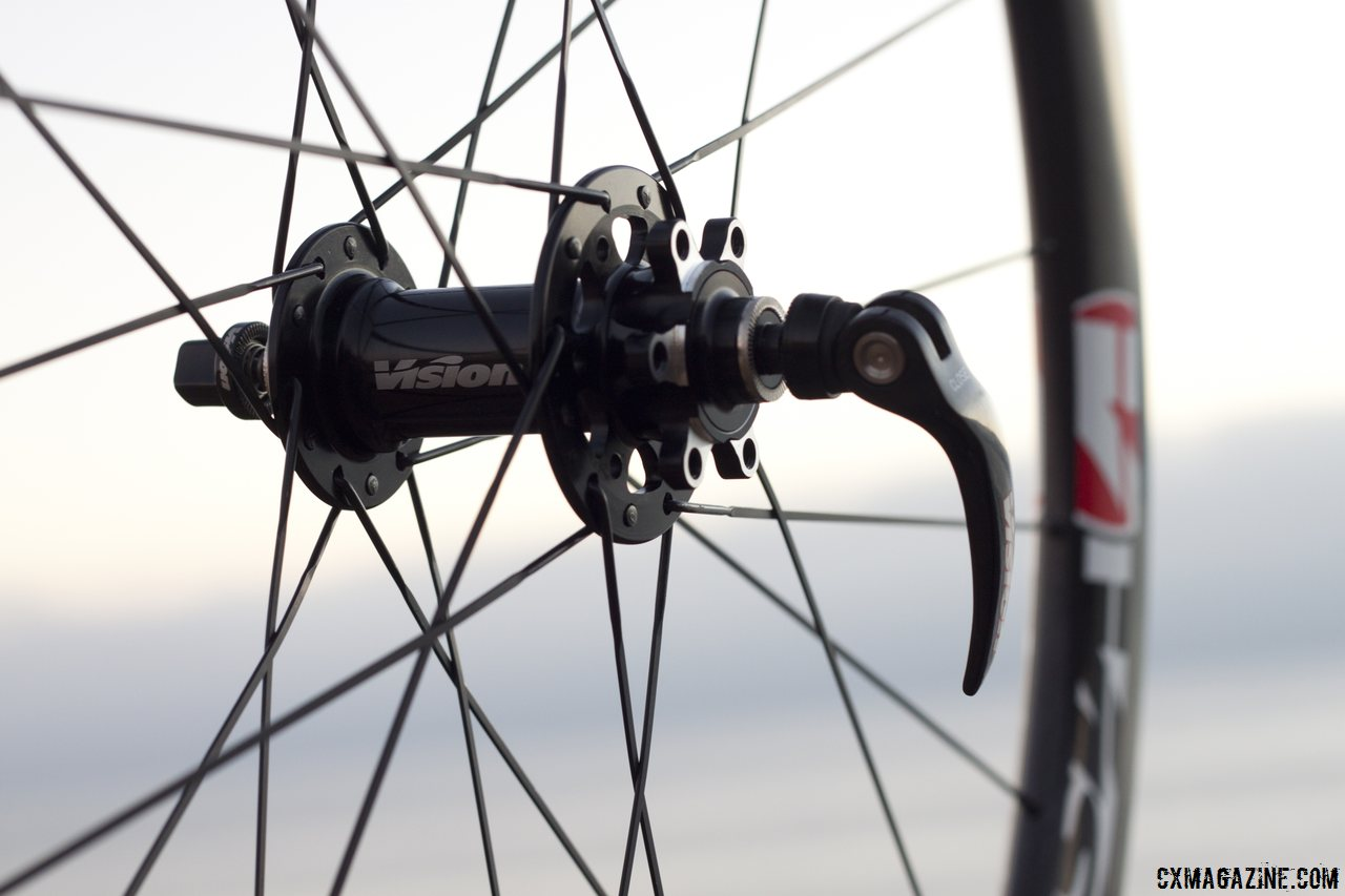 Disc-ready with Vision Tech\'s Metron 40 carbon tubular wheels. © Cyclocross Magazine
