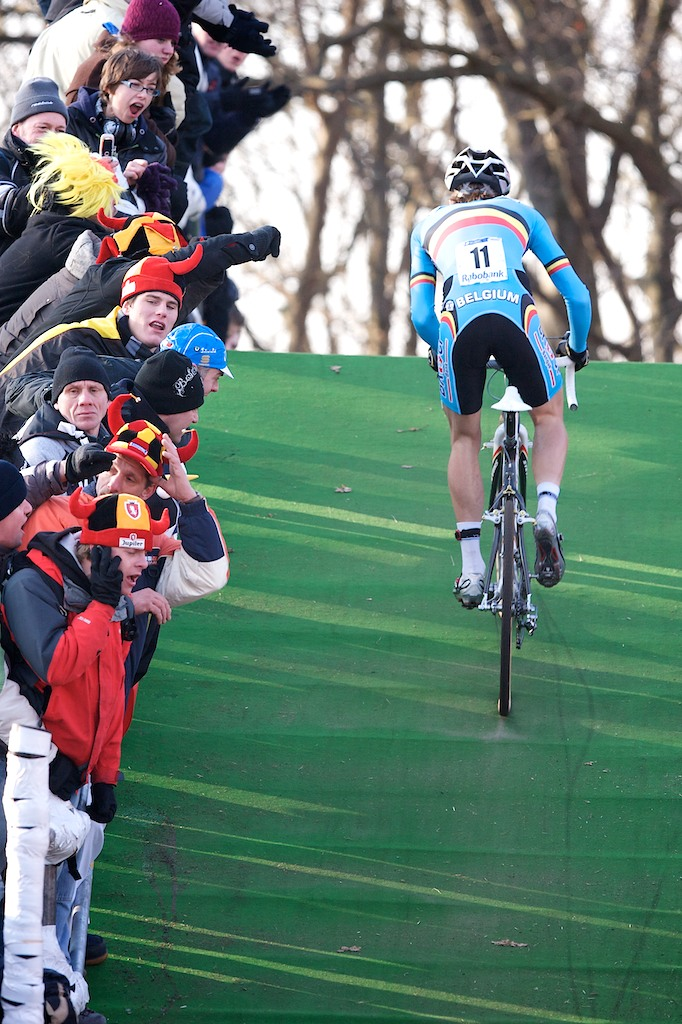 Niels Albert, climbing the flyover to the delight of the legions of Belgian fans that mad the trip to Hooherheide.