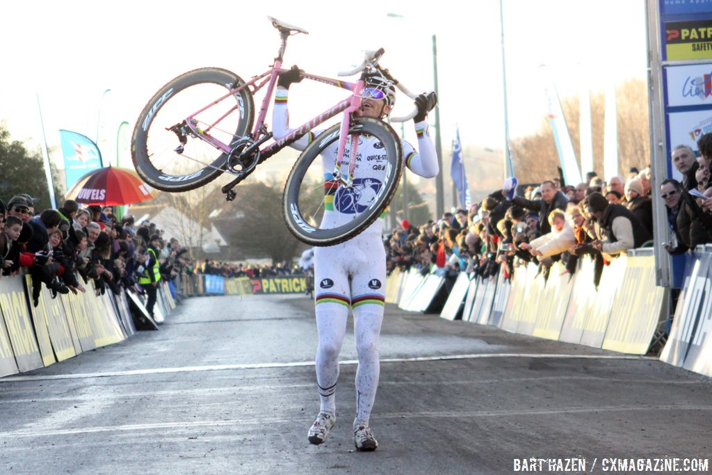 Zdenek Stybar celebrates his Lievin World Cup victory on his new Specialized Crux. ©Bart Hazen