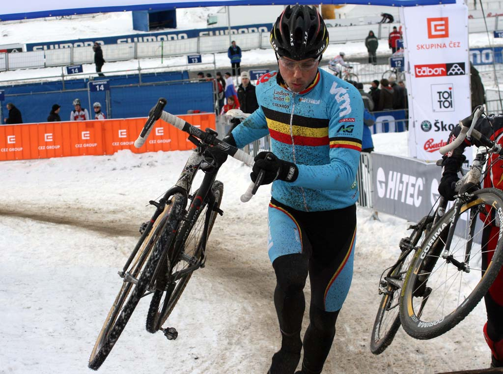 Sven Nys on the move ? Bart Hazen