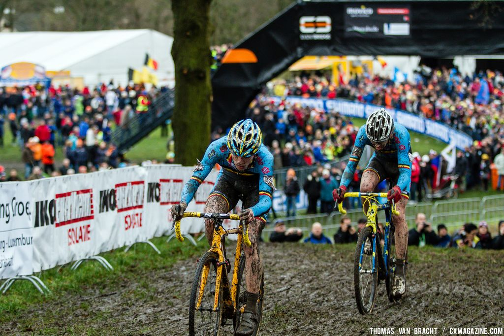 Thijs Aerts and Yannick Peeters in the Junior race at 2014 World Championships. © Thomas Van Bracht