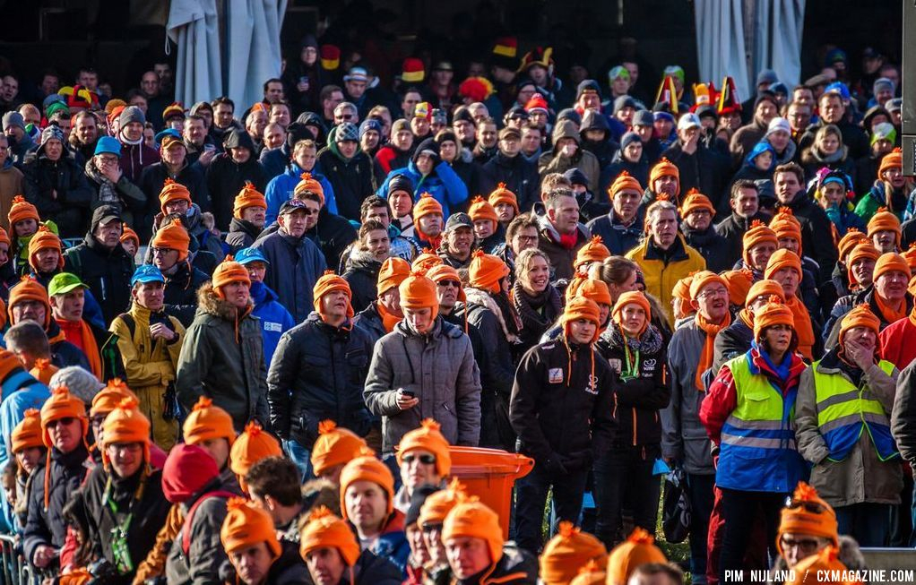 Dutch audience at 2014 World Championships. © Pim Nijland