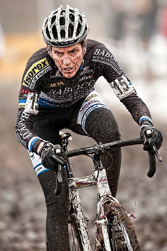 Christine Vardaros in Azencross ©Krist Vanmelle