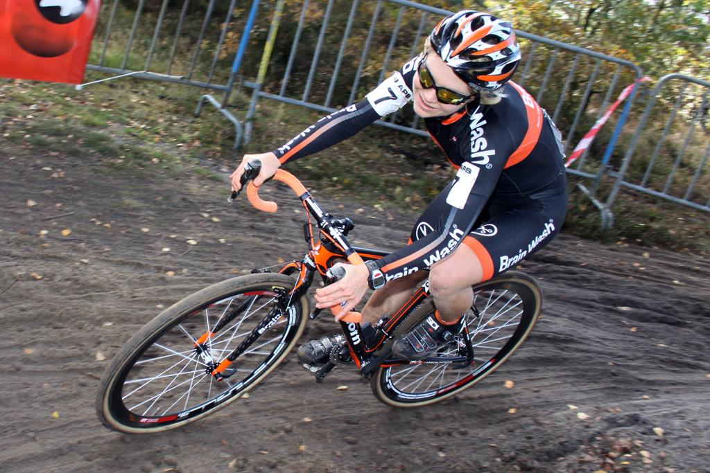 Sanne van Paassen took control of the race from the start. © Bart Hazen