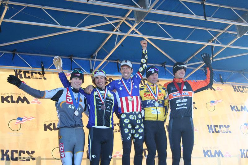 elite-mens-podium