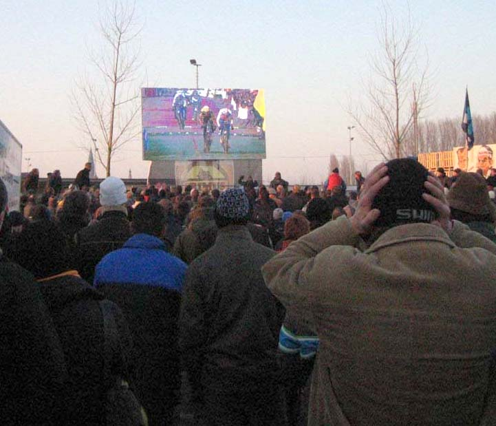 Azencross' sprint finish on the big screen - one fan is in disbelief. by Christine Vardaros