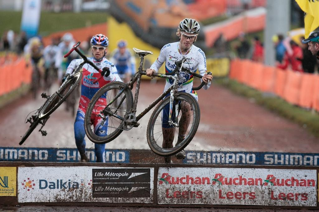 Before the failed drug test, Lars Boom and Zdenek Stybar battled for the early lead at at the 2009 Roubaix World Cup and were set to race the Tour de France this year. Only Stybar will be at the Tour on Saturday. © Joe Sales