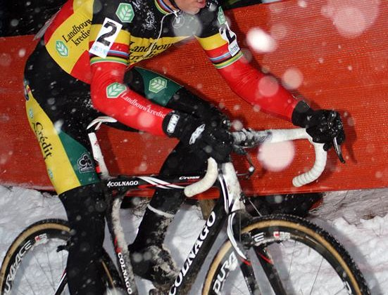 Sven Nys was superior in the historic snow-filled Kalmthout World Cup. © Bart Hazen