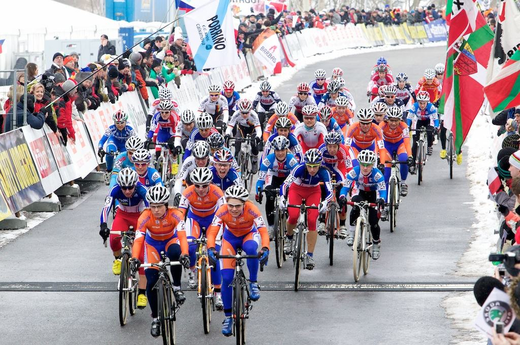 The Dutch led the women's race from start to finish the last time the World Championships was held in Tabor in 2010. © Joe Sales