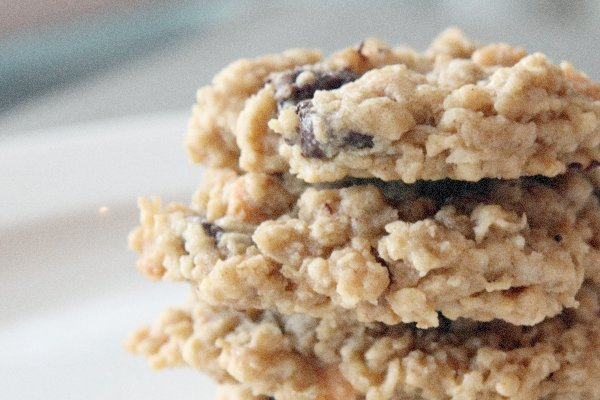 Oatmeal cookies to placate and energize young crossers , via flickr by thepinkpeppercorn