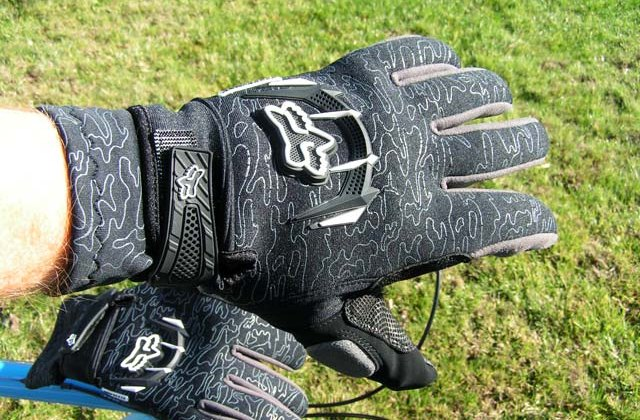 Product Review Fox Antifreeze Gloves ©Jason Lombard