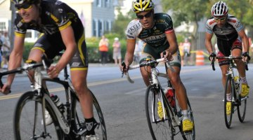 Johnson bridges to Mannion and Anthony to form the decisive breakaway © Michael Zagachin, redberryphoto.com