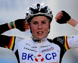 Sanne Cant wins the elite women 2011 Belgian National Championship cyclocross race in Antwerpen. Sunday Jan. 9, 2010. ( SPRIMONT PRESS / Laurent Dubrule )