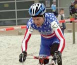 Kevin Hines uses his technical prowess to keep speed through the sand © Gregg Germer - ChainringTours.com