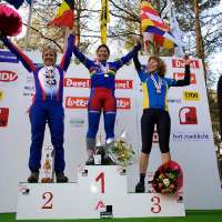 Kathy Sarvary repeats as World Champion at 2009 Masters Worlds in Mol, Belgium. © Joe Sales