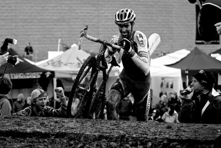 The last time we had Nationals in December was in Bend, Oregon with Todd Wells (Specialized) taking the victory. photo: Wells at the front, 2010 Nationals © Joe Sales