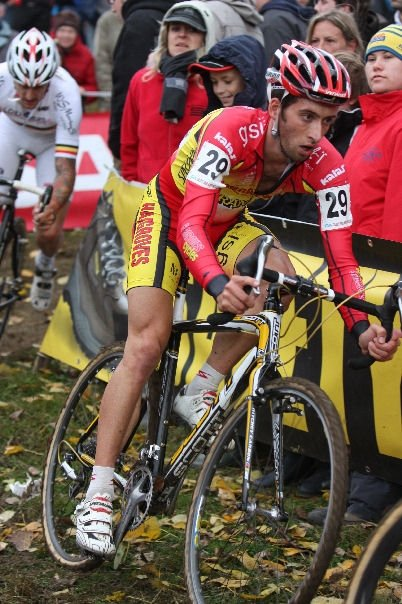 Ian Field, here at Koppenberg, will also be starting his season in the US. Bart Hazen