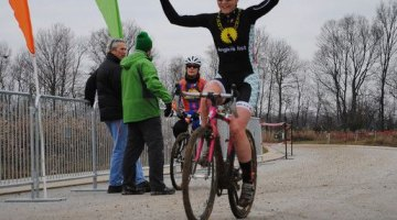 Sierra Siebenlist won ahead of Nicole Borem © Planet Bike