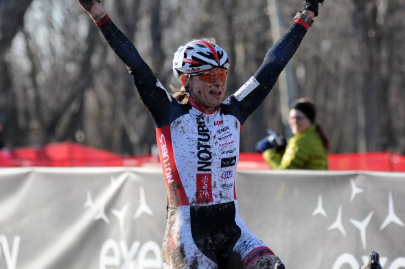 Shannon Gibson of Stan's Notubes wins the Womens 45-49 race. ©Steve Anderson