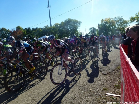 The men battle for the holeshot at USGP Sun Prairie Day 2. Cyclocross Magazine