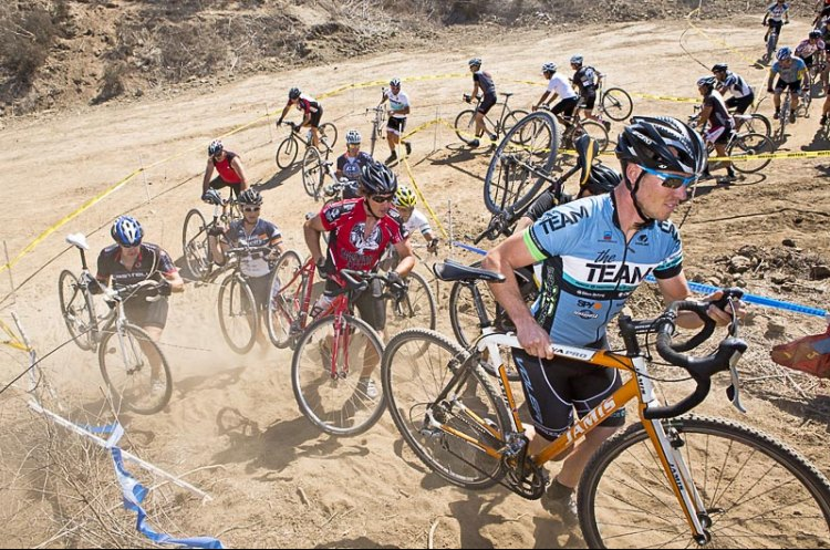 The first feature on the race course might be rideable, but on the first lap, get off early and run past others. photo: Socal Cross file photo, © Phil Beckman/PB Creative