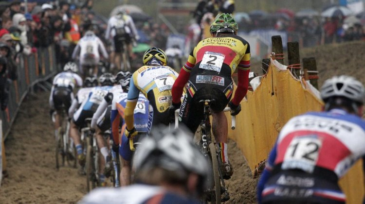 Sven Nys overcame a pour start to take the win © Bart Hazen