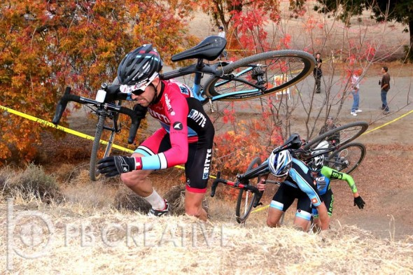 Hitting the sand runup at SoCal/Nevada CX. © Phil Beckman/PB Creative