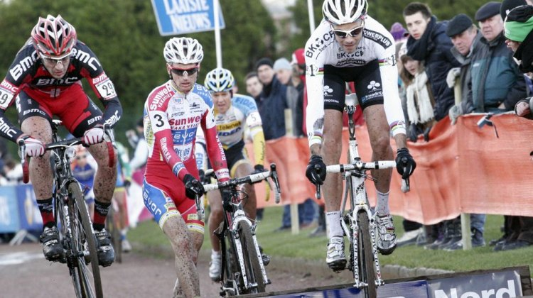 The leaders hit the barriers at World Cup Roubaix © Bart Hazen