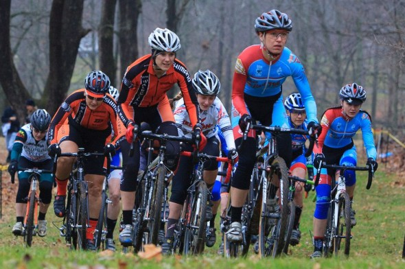 John, Bryan, Arnold and Meek lead the women's start. © Kent Baumgardt