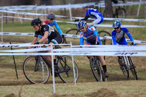 Woodring, Siebenlist, Shulze and Cobb take to the front early in the Women's Elite Race. © Kent Baumgardt