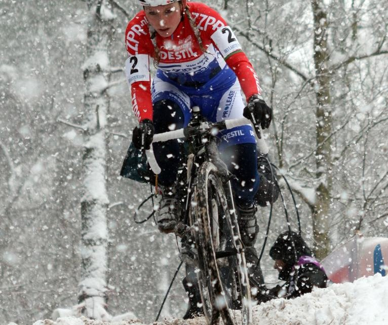 Racers compete in all conditions. © Bart Hazen