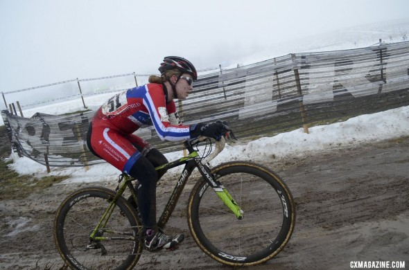 Emma White was dominant in her defense of her 15-16 National Championship. © Cyclocross Magazine