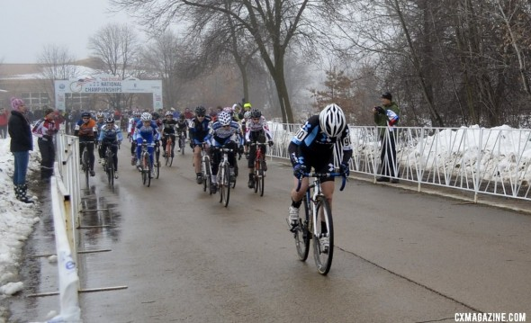 Ellen Noble dropped the hammer at the start, and never picked it up. © Cyclocross Magazine