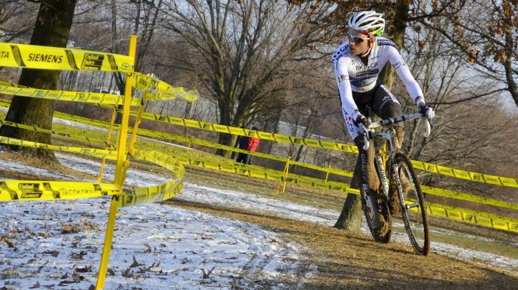 Niels Albert had time to look around in Cincinatti, and liked what he saw: nobody on his wheel. © Cyclocross Magazine