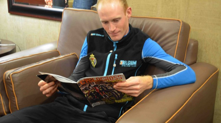 Klaas Vantornout checks out Cyclocross Magazine (and liked it)! © Cyclocross Magazine